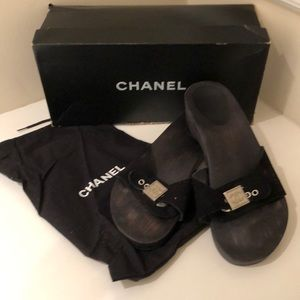 CHANEL black suede sandals w/ logo closure